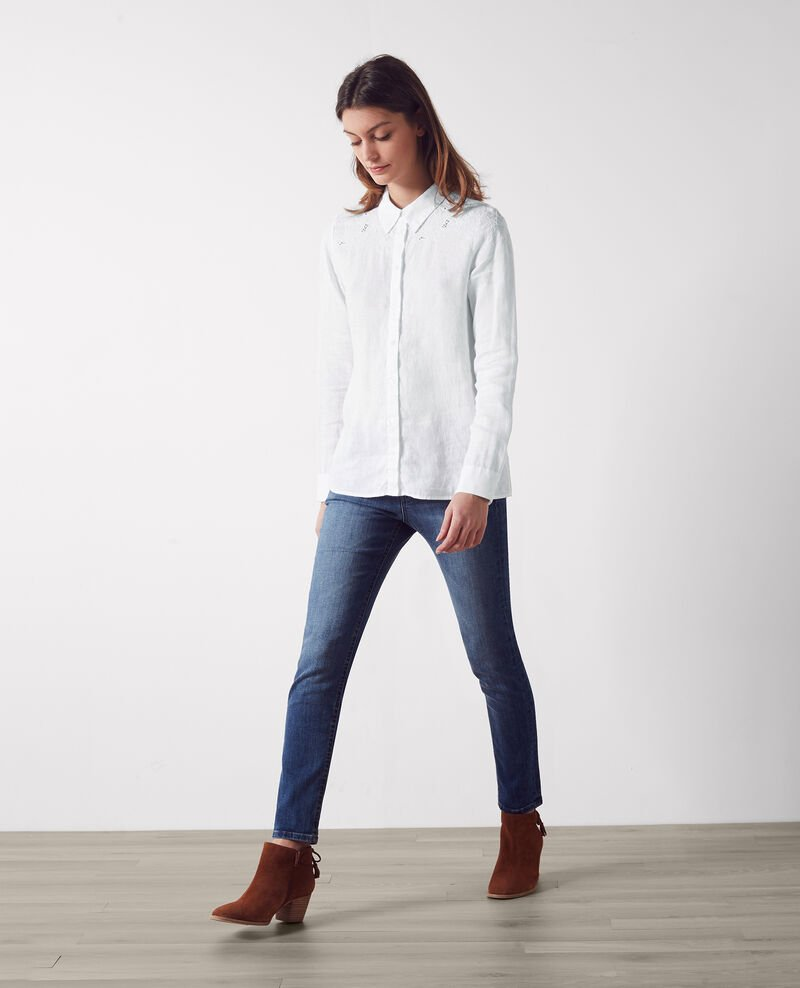 Linen shirt with embroidered details Blanc Chiquita