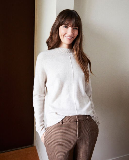 Jumper with buttons on the back 100% cashmere BUTTERCREAM