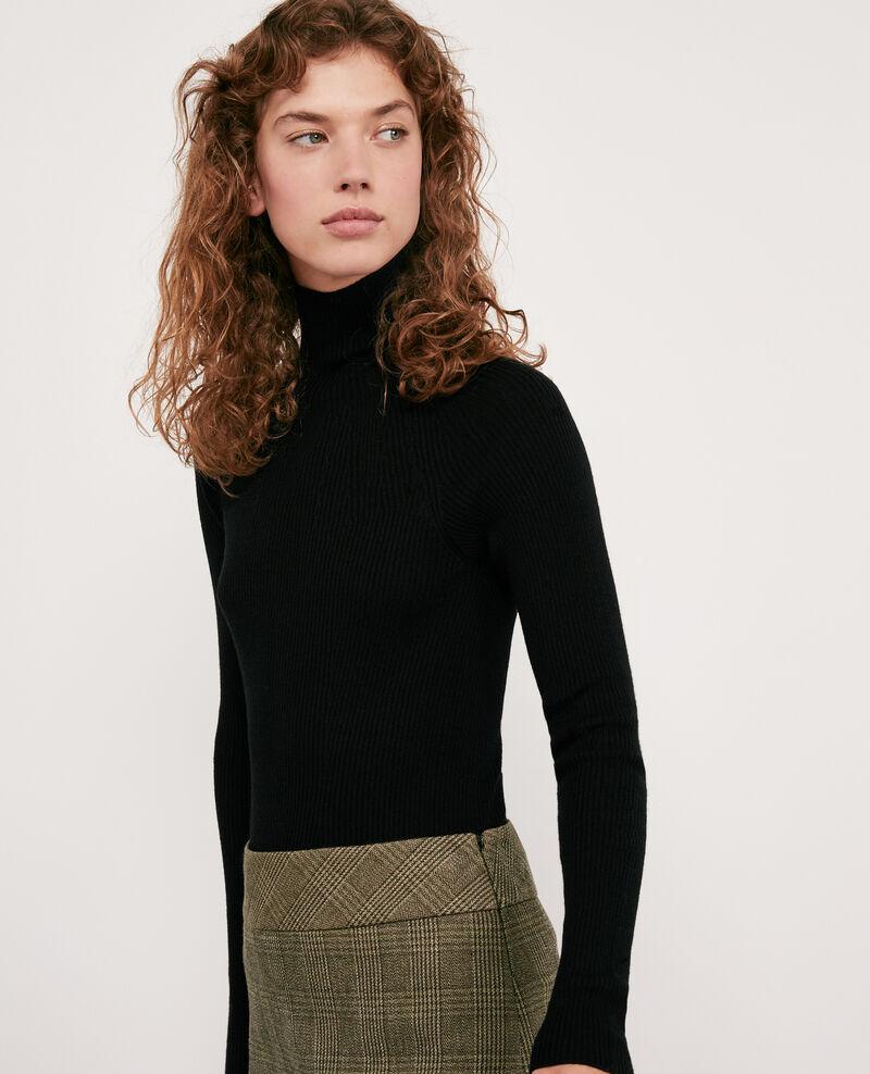 Seam-free 100% wool ribbed jumper Noir Determiner