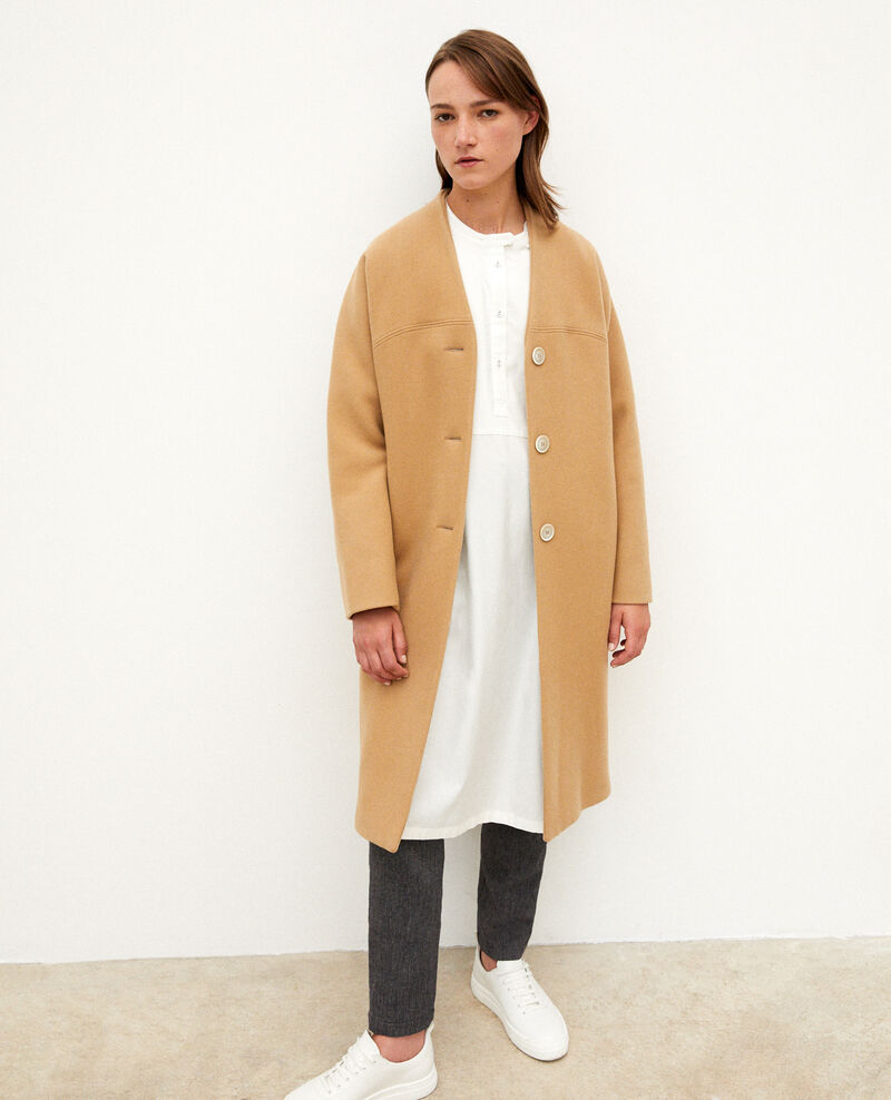 Collarless coat Tannin Gilhard
