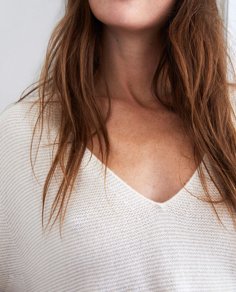 V neck cashmere jumper 100% cashmere Buttercream Jonka