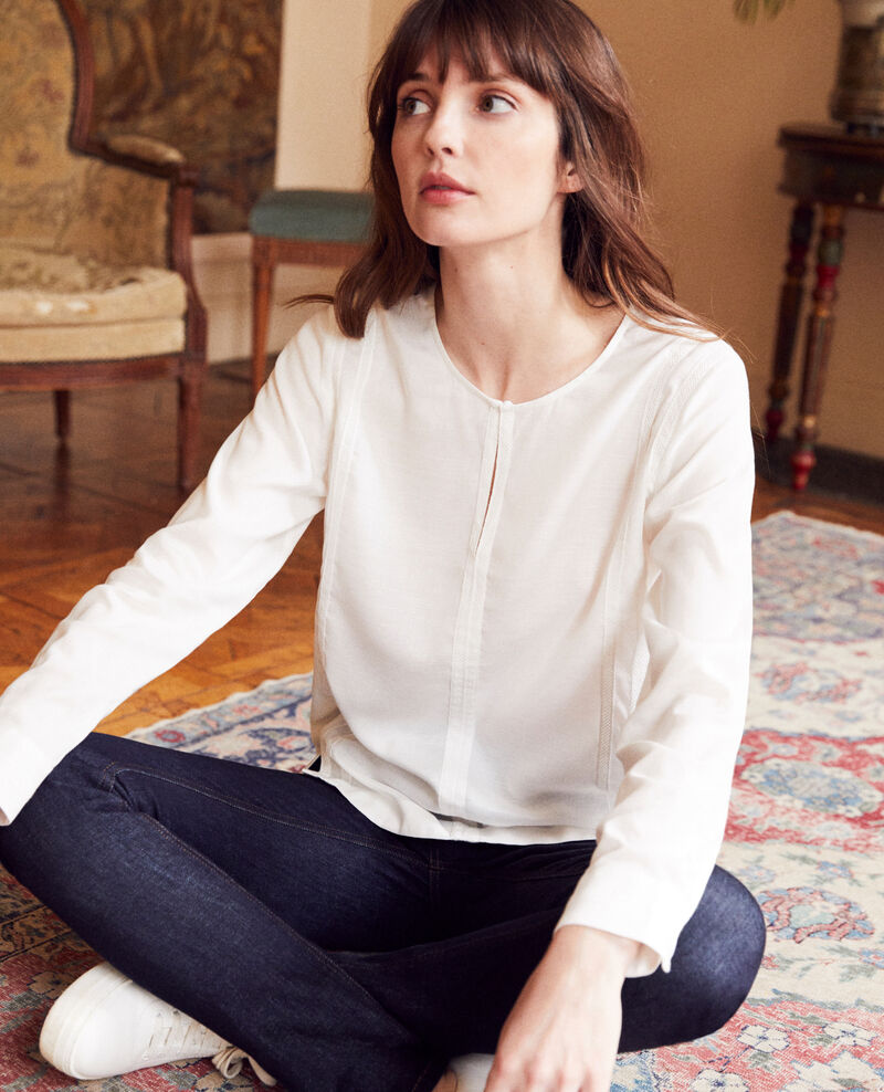 Embroidered blouse Coconut milk Jistaline