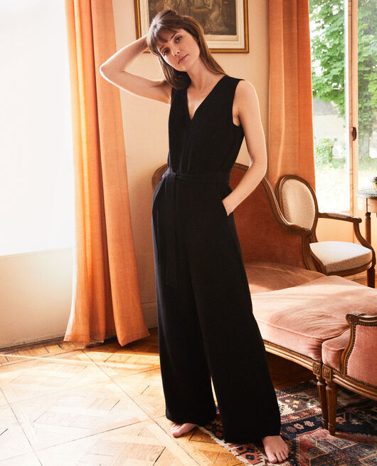 V-neck jumpsuit NOIR