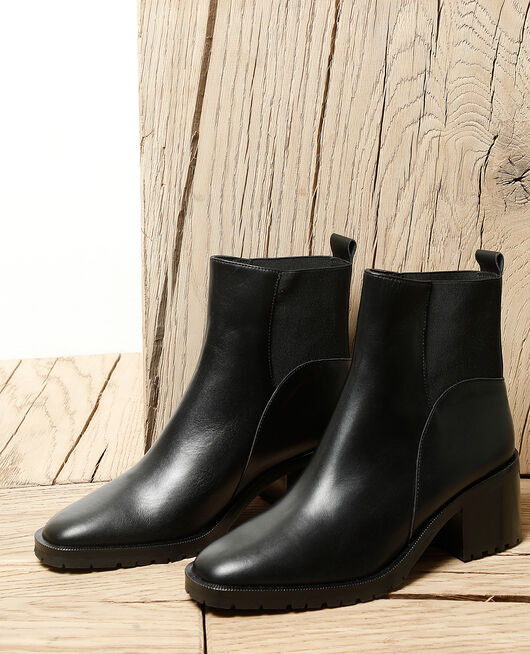 Smooth leather ankle boots Black