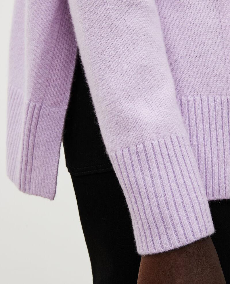 V-neck cashmere cardigan with side splits Pastel lilac Moleano