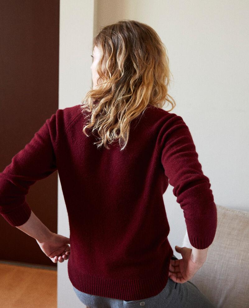 V-neck jumper with wide rib trim 100% cashmere Cabernet Jaye