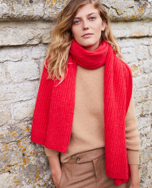 Knitted scarf MOLTEN LAVA