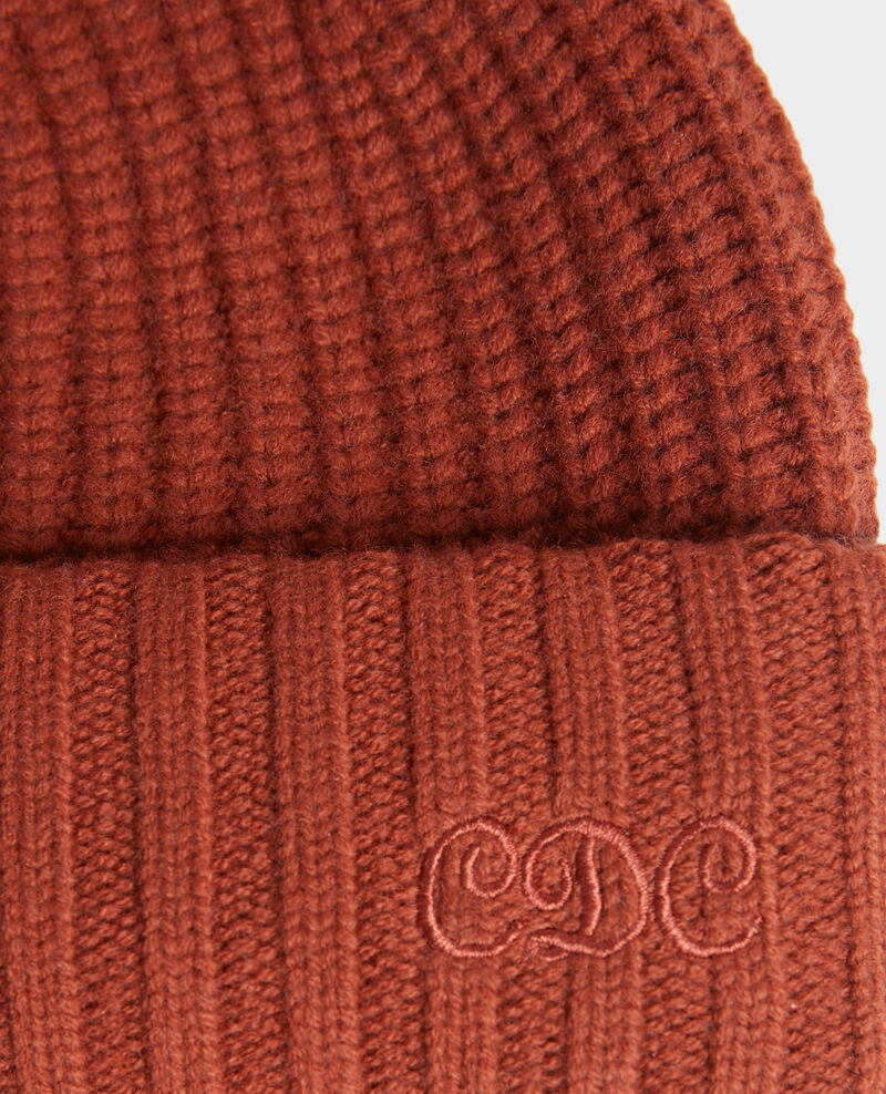 "Embroidered ""CDC"" wool beanie Brandy brown Moeze"