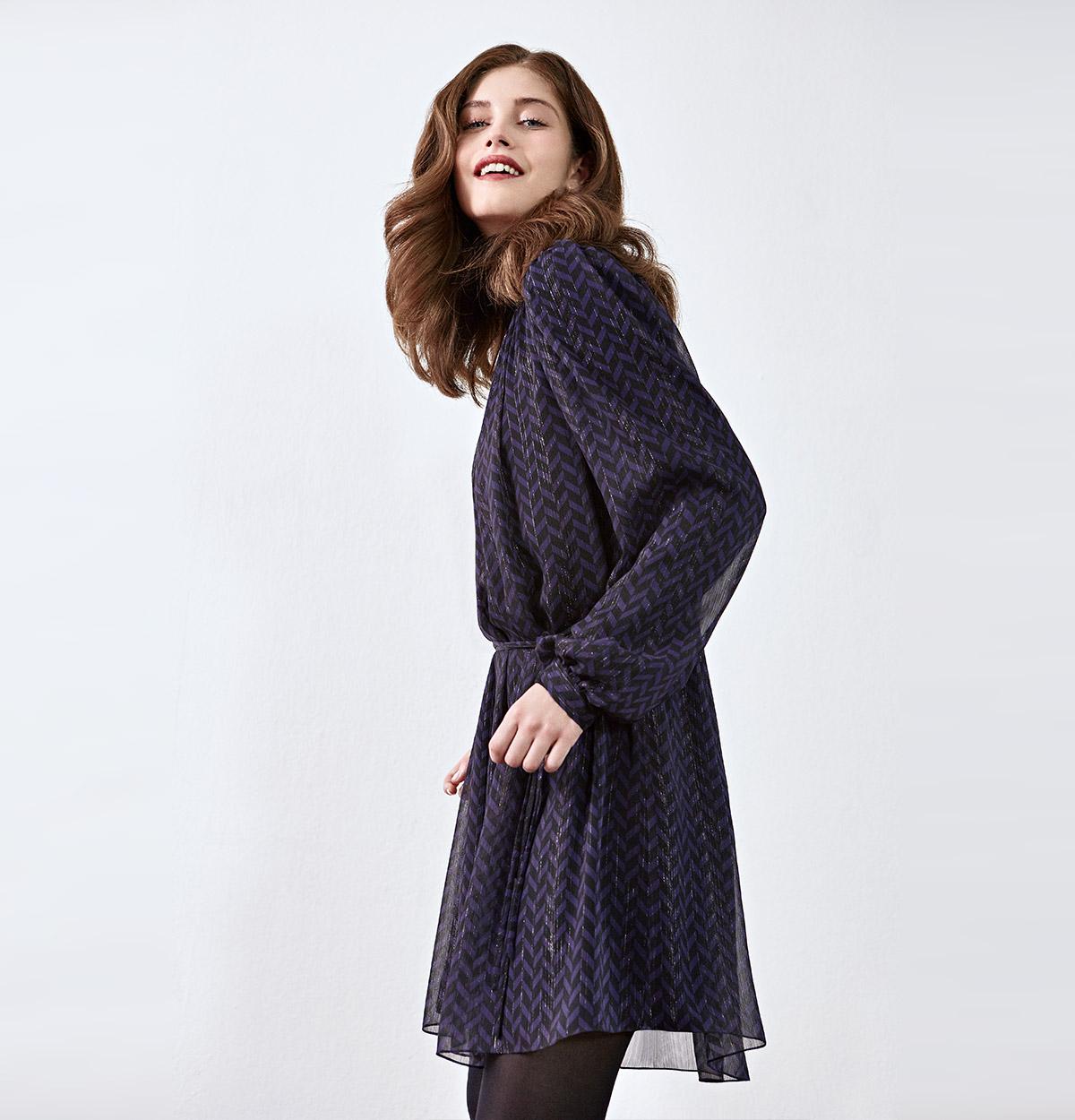 Look femme - trench icônique et tailleur en laine