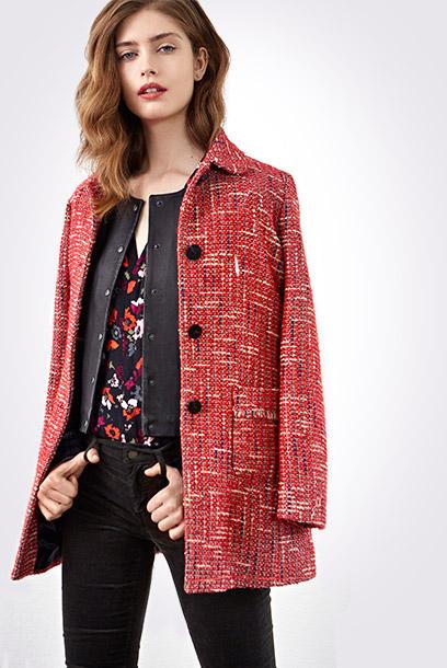 Look - Tweed coat, leather jacket and printed blouse